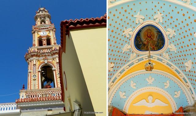 Campanário e decoração do Mosteiro de São Miguel de Panormiti, na Ilha de Sými, Grécia