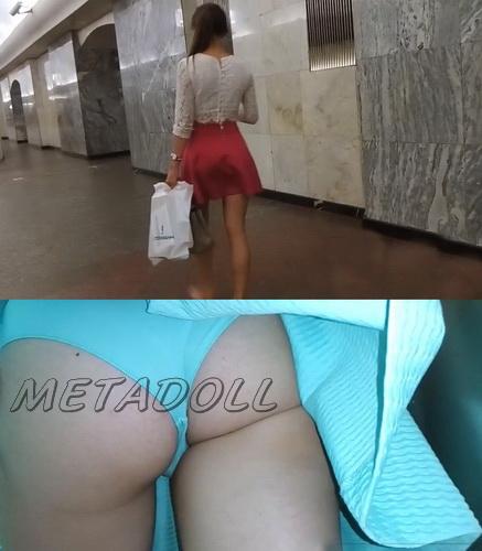 Upskirts 3091-3112 (Public upskirt voyeur takes his chance on the escalator)