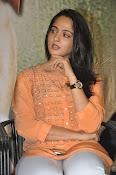 Anushka at Singham 2 Pressmeet-thumbnail-11