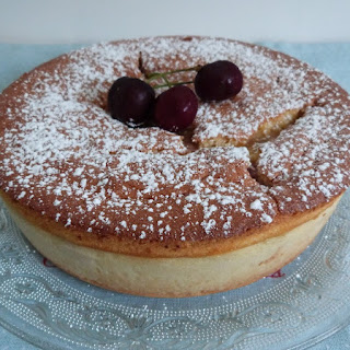 https://danslacuisinedhilary.blogspot.com/2015/06/gateau-magique-aux-cerises.html