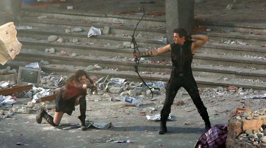 Elizabeth Olsen şi Jeremy Renner la filmările The Avengers 2: Age Of Ultron