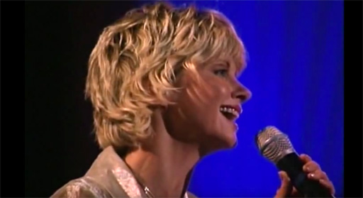 "Olivia Newton-John sings ""Valentine"" in concert with Jim Brickman"