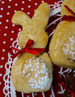 Ostergebäck: Süße Häschen und Lämmchen