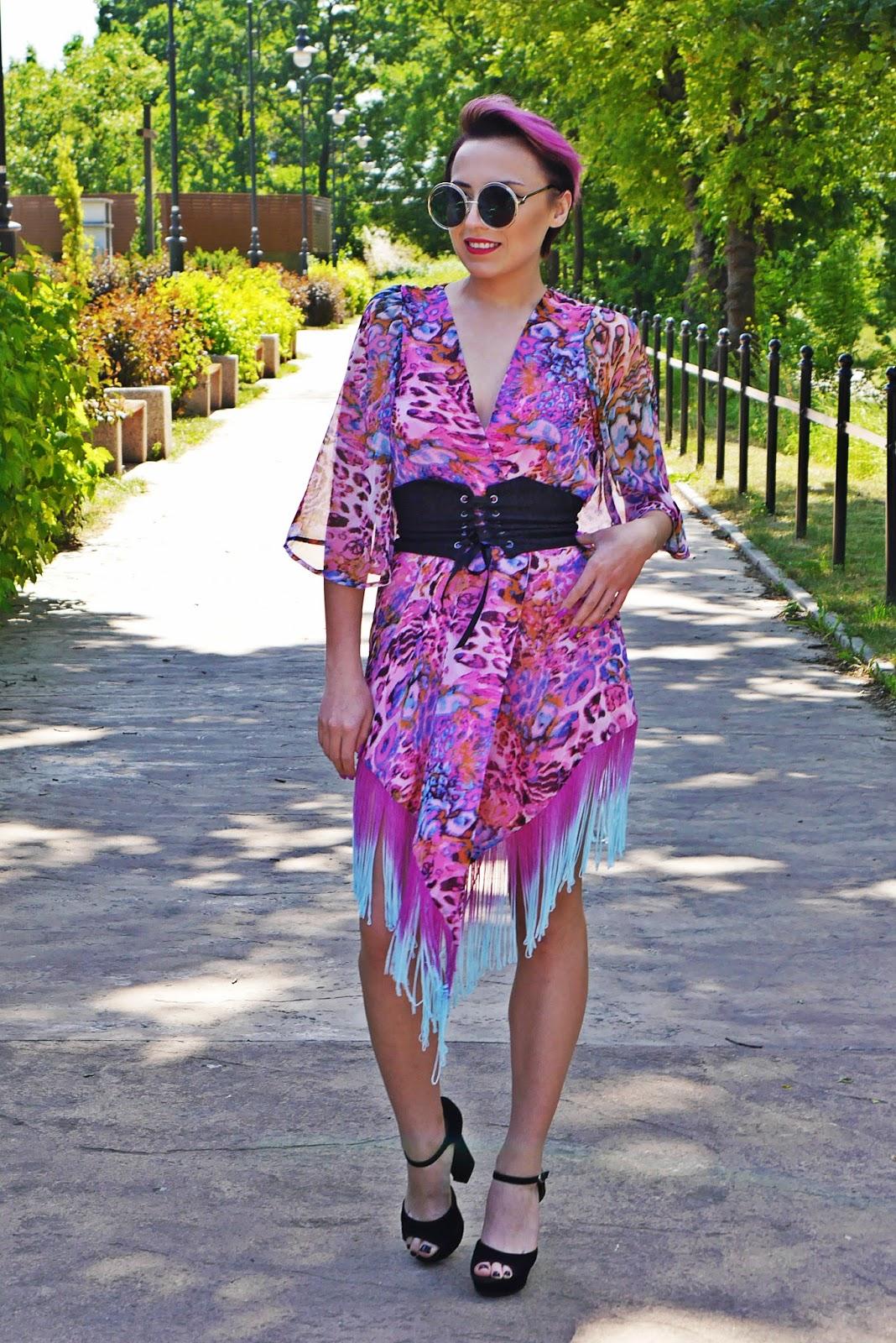 rozowe_kimono_karyn_blog_modowy_pasek_gorset_150617a