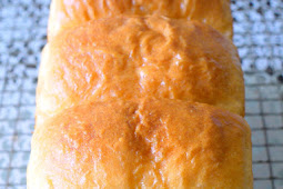 Wu Pao Chun Milk Bread 吴宝春金牌牛奶吐司