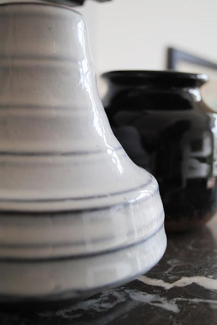 Close op van HK Living vaasje van keramiek