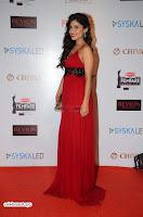 ishita Raj Sharma in Red Gown Stunning Beauty at success party of film sonu ke u ki sweety 011.JPG