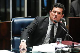 Para Moro, Cunha tentou intimidar Temer em ação