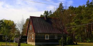 Trzy drewniane domki w Wodzieradach woj. łódzkie