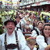 Organização faz primeira reunião com grupos dos desfiles da Oktoberfest