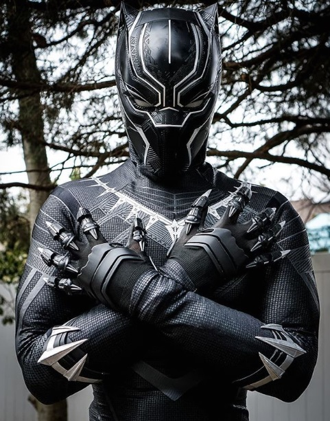 Black Panther cosplays Marvel comics cosplayer