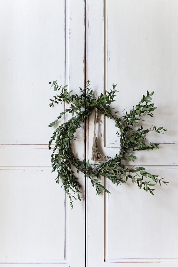 Minimalist wreath ideas | Nicole Franzen
