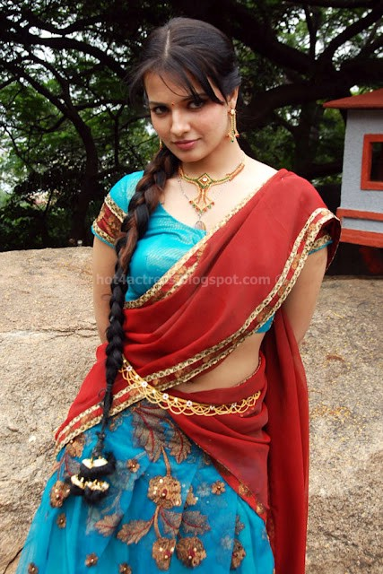 Saloni aswani photos in saree