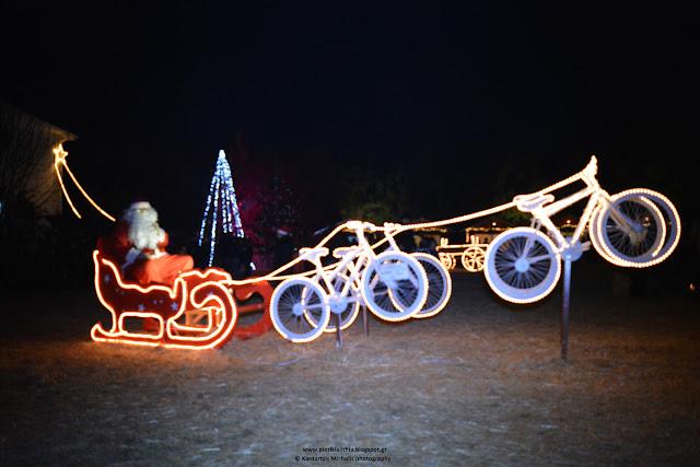 Παραμονή Χριστουγέννων στο Χριστουγεννιάτικο Χωριό του Κόσμου στην Κατερίνη. (24-12-16)