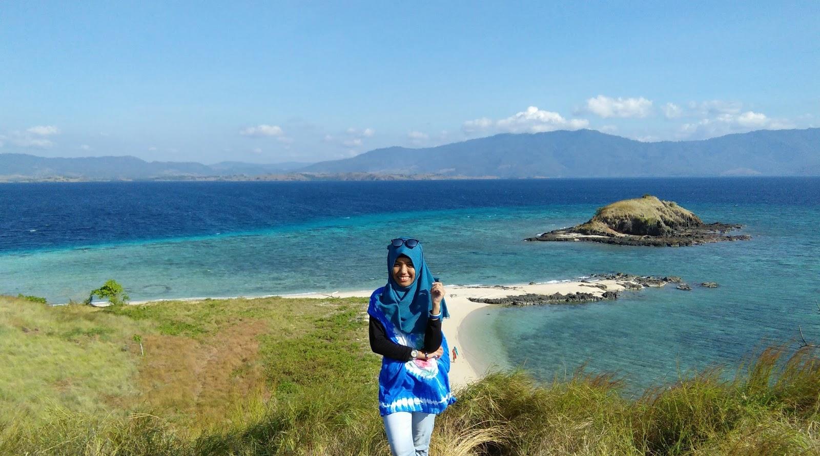 cewek cantik hijab manis di Pulau Nisa Pudu