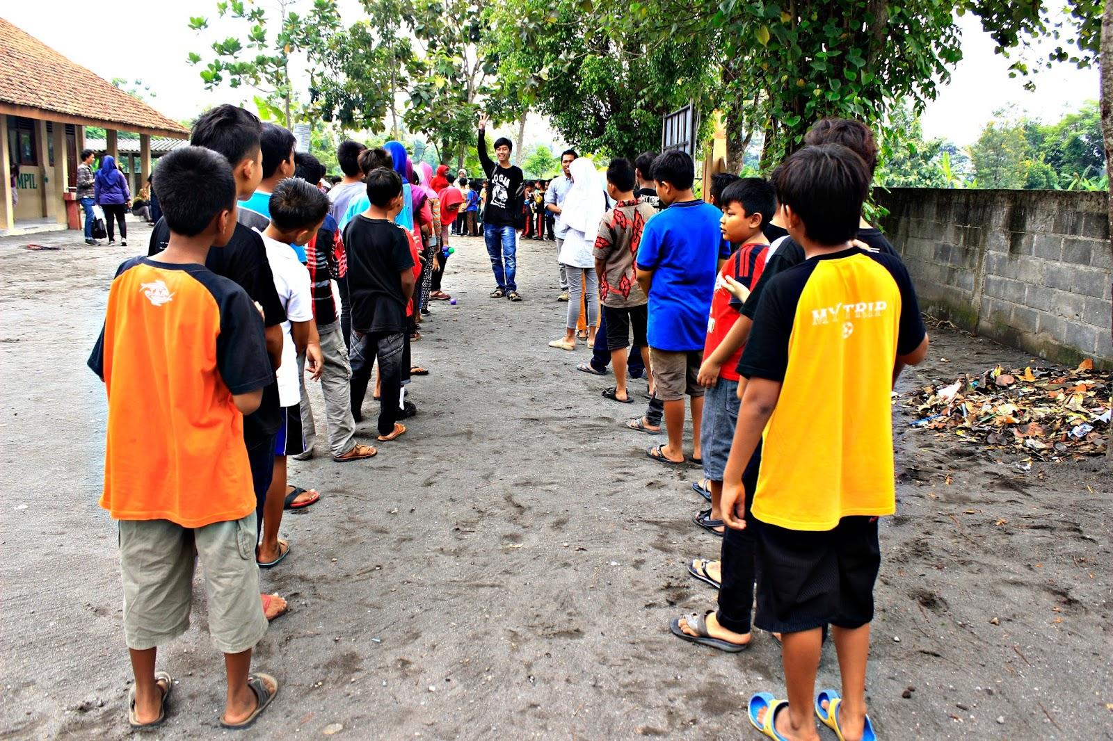sekolah berjalan book for mountain sd sribit bambanglipuro bantul