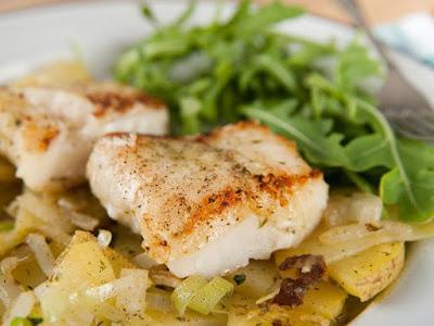 طاجن السمك مع البطاطا