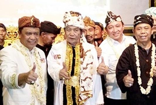 Keluarga Besar Padepokan Silat Padjadjaran  Tasikmalaya Menggelar Deklarasi Dukung Jokowi-KH.Ma'ruf