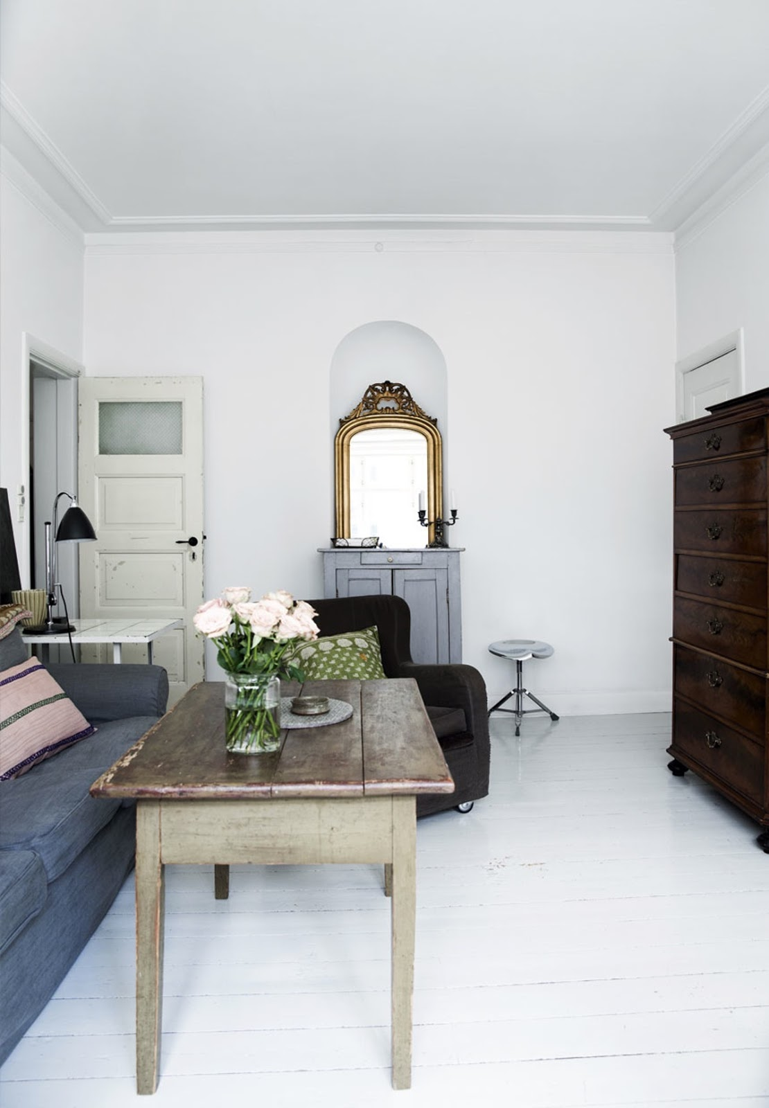 The apartment is beautifully decorated with dusty colors and soft fabrics,  reminiscent of French bohemian. A little piece of Paris in the middle of  Amager!