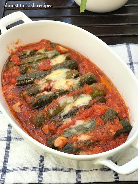 Cretan Zucchini In Tomato Sauce (Domatesli Girit Kabağı)