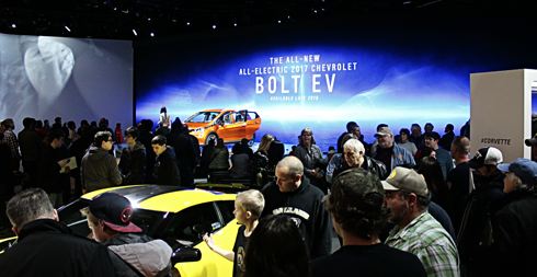 2017 chevrolet bolt ev naias detroit