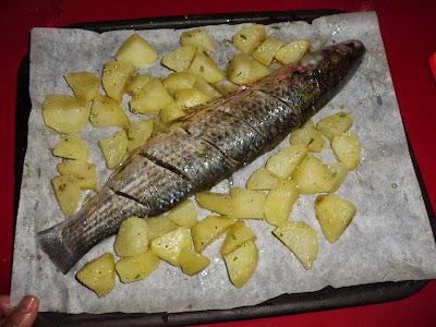 سمكة في الفرن سهلة على الطريقة الايطالية