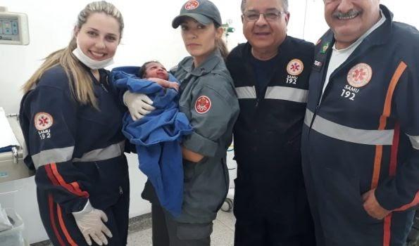 SAMU e COBOM auxiliam trabalho de parto de garota que deu à luz em casa