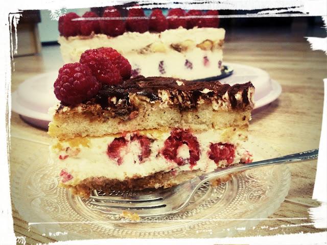 ciasto na zimno tiramisu torcik serce z malinami