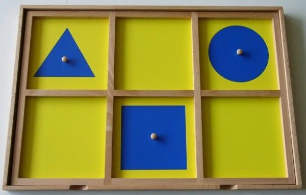 mat riel montessori le cabinet de g om trie 1. Black Bedroom Furniture Sets. Home Design Ideas