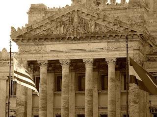 Colunas Centrais da Assembleia, em Montevidéu