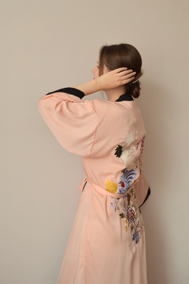 pimkie dressing gown, jamanese kimono embroidery, pimkie france, dressing gown outfit, personal style blog, georgiana quaint, crane embroidery, czech blogger, kimono dressing gown, kimono pimkie