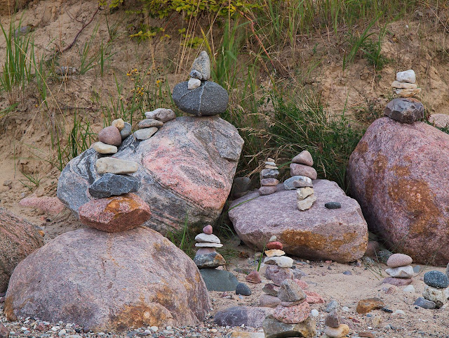 Steinmännchen am Strand