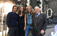 Anthony Hopkins, Mark Wahlberg, Michael Bay and Laura Haddock on the set of Transformers: The Last Knight (3)