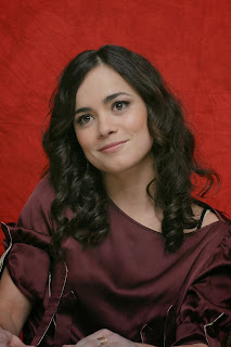 Alice Braga photo