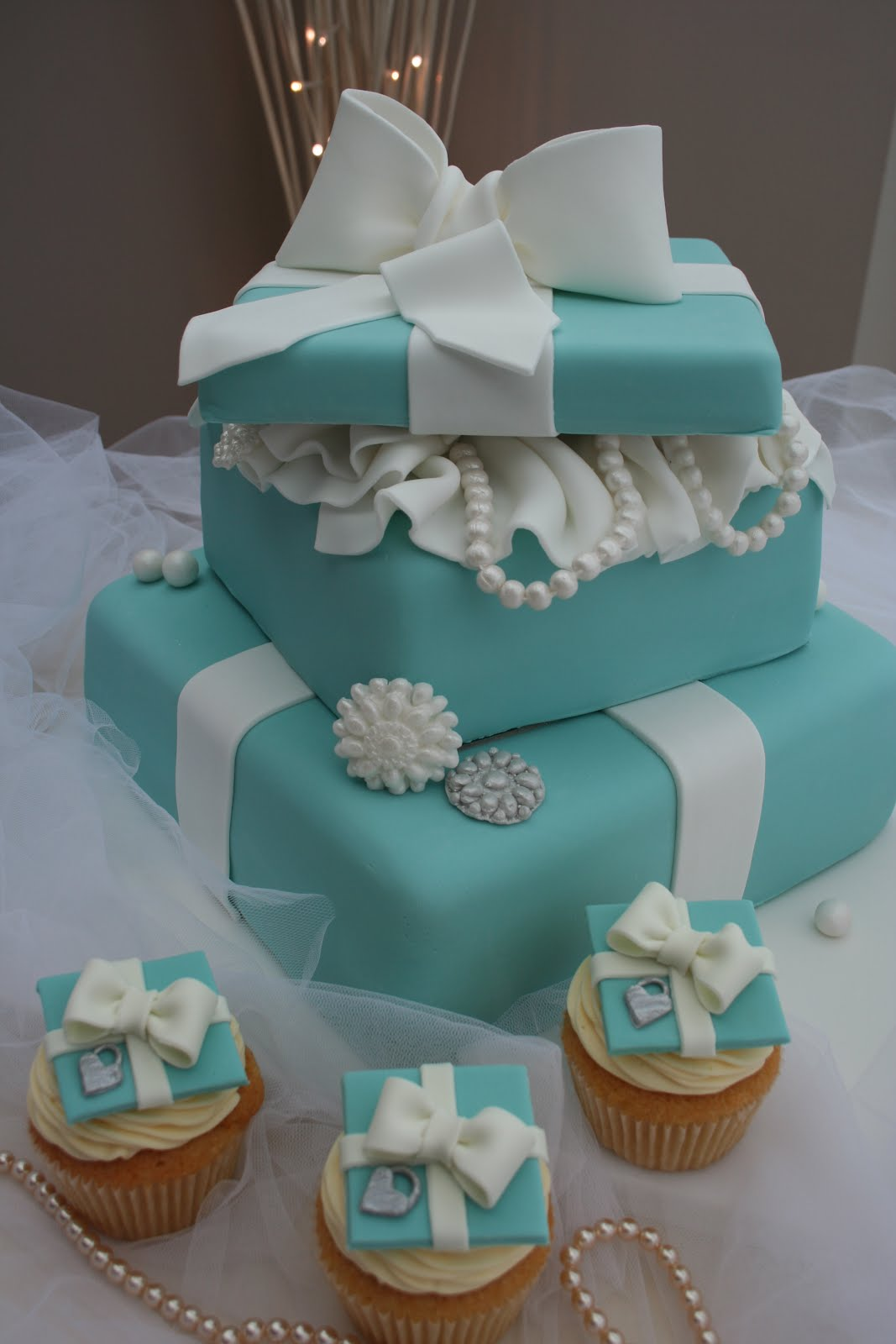 Katies Cupcakes 2 Tiered Tiffany Cake