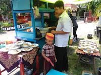 Makan Gratis Dan Penyambutan Bapak Emil Sebagai Wakil Gubernur Jawa Timur