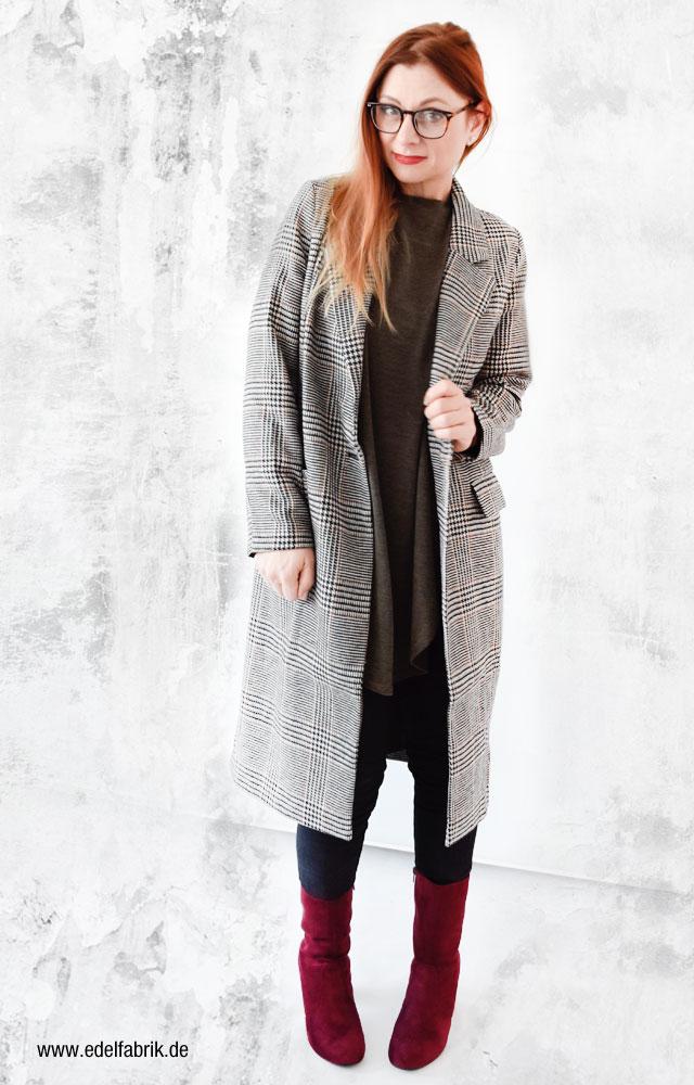 Wie style ich einen karierten Mantel
