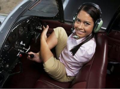 world's first armless pilot