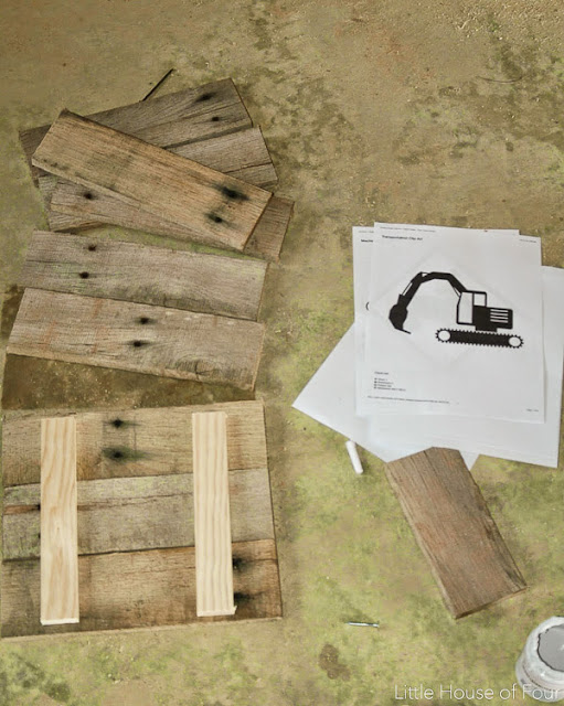 How to transfer images onto custom pallet frames. - www.littlehouseoffour.com