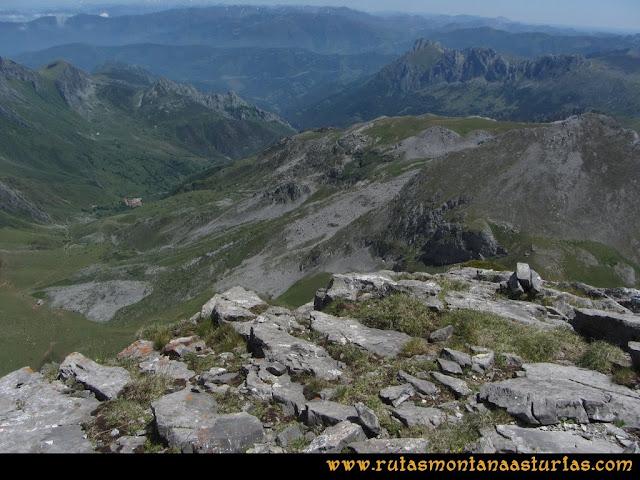 Ruta Peña Ubiña Arista Este: Valle de Tuiza