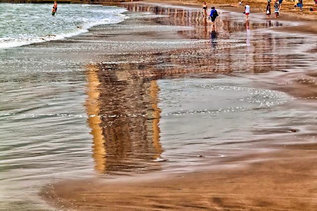 El mar besando la plata