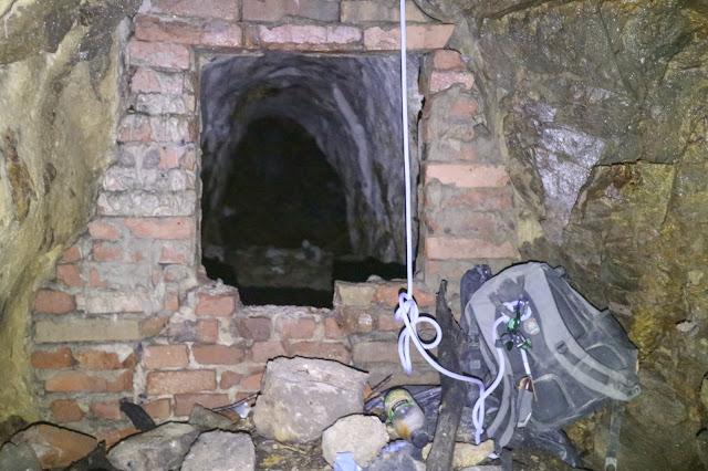 Batoh pod komínom