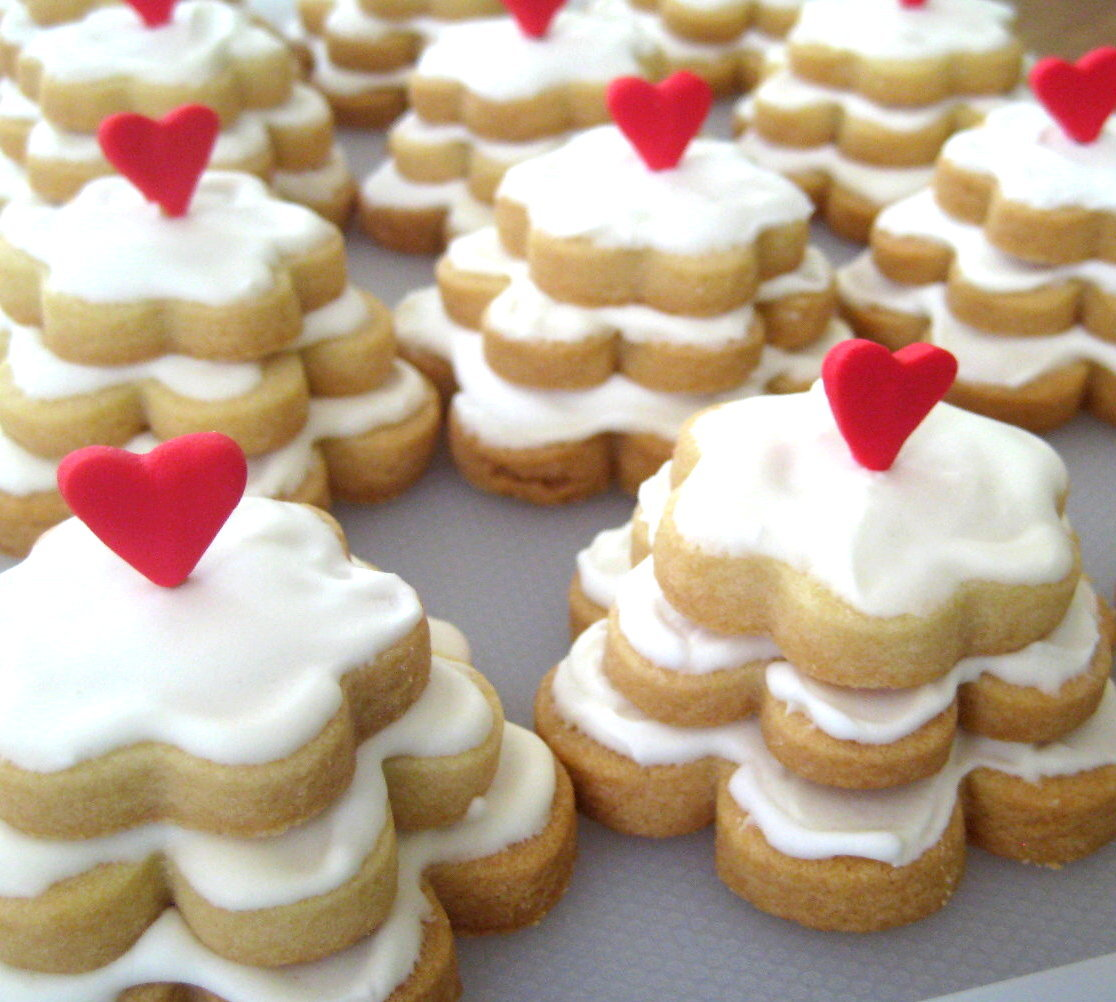 Bubble and Sweet: Wedding Cake Sugar cookies and a ...