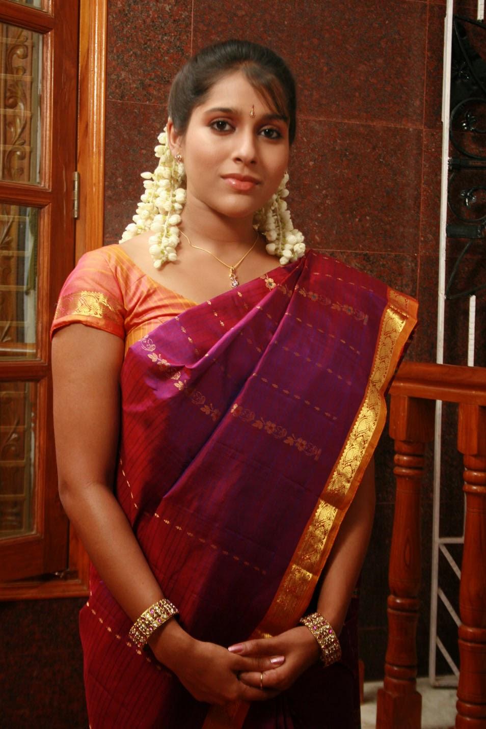 Rashmi Gautam hot saree stills - HIGH RESOLUTION PICTURES