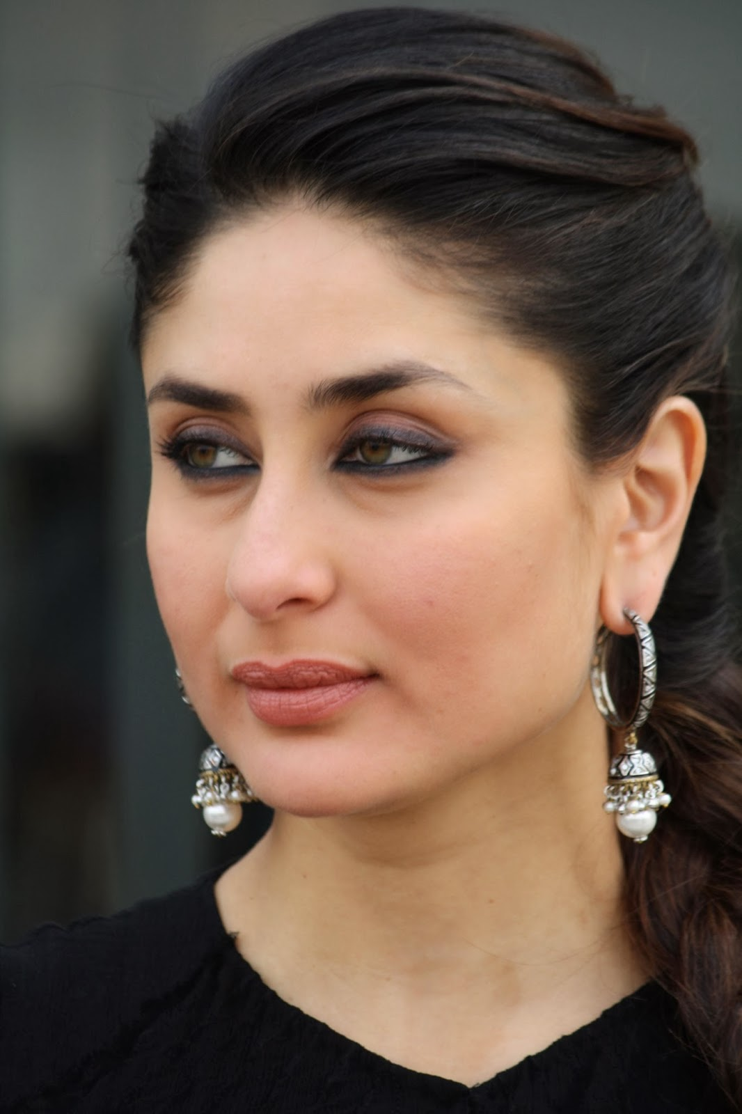 Glamorous Kareena Kapoor Photos In Black Dress