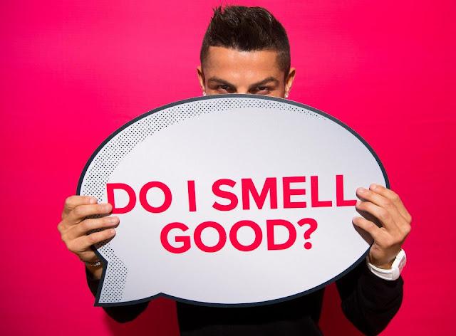 Cris Ronaldo toe toét cười ra mắt 'mê hồn hương' 4
