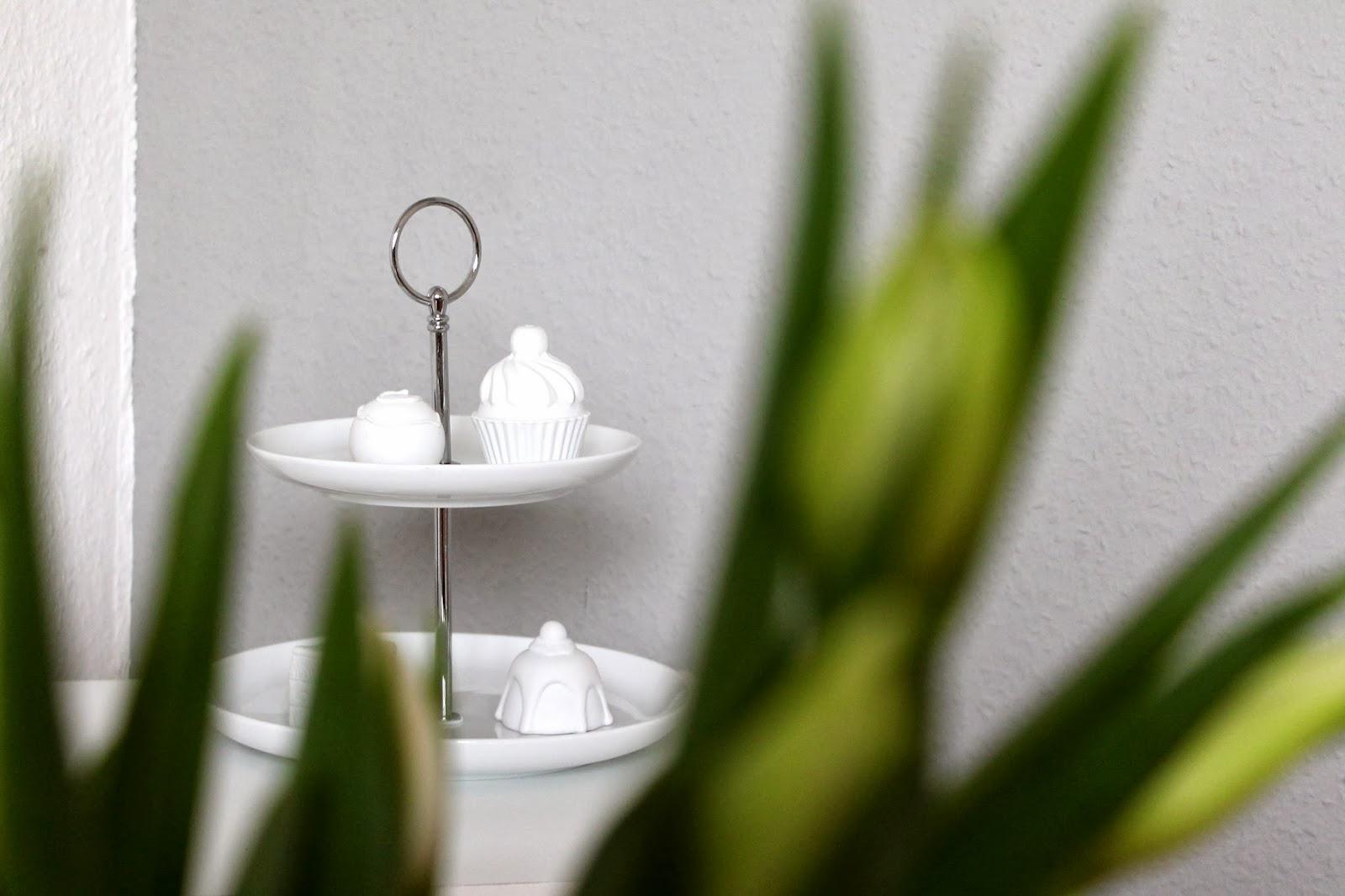 kr nchenkram 1 deko tipp im januar etagere. Black Bedroom Furniture Sets. Home Design Ideas