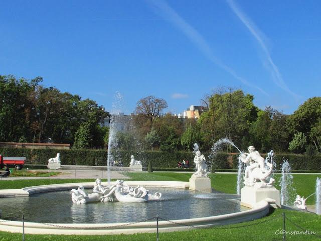 Viena, Palatul Belvedere -Curtea palatului - blog Foto-Ideea