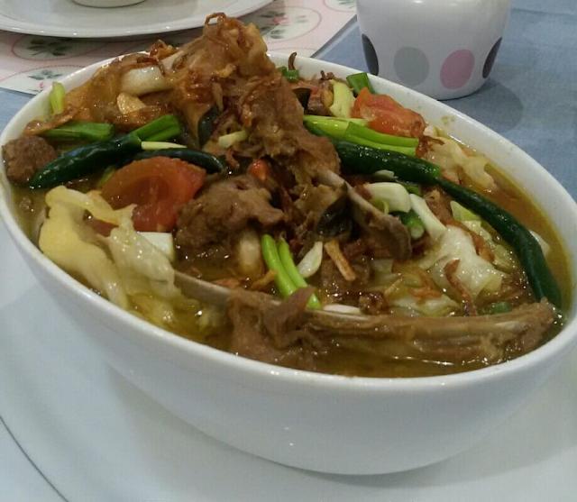 Panas kan minyak sedikit di panci Masukkan daging dan rempah  Resep Masakan Tongseng Kambing Asli Ala Dapur Siti Aminah