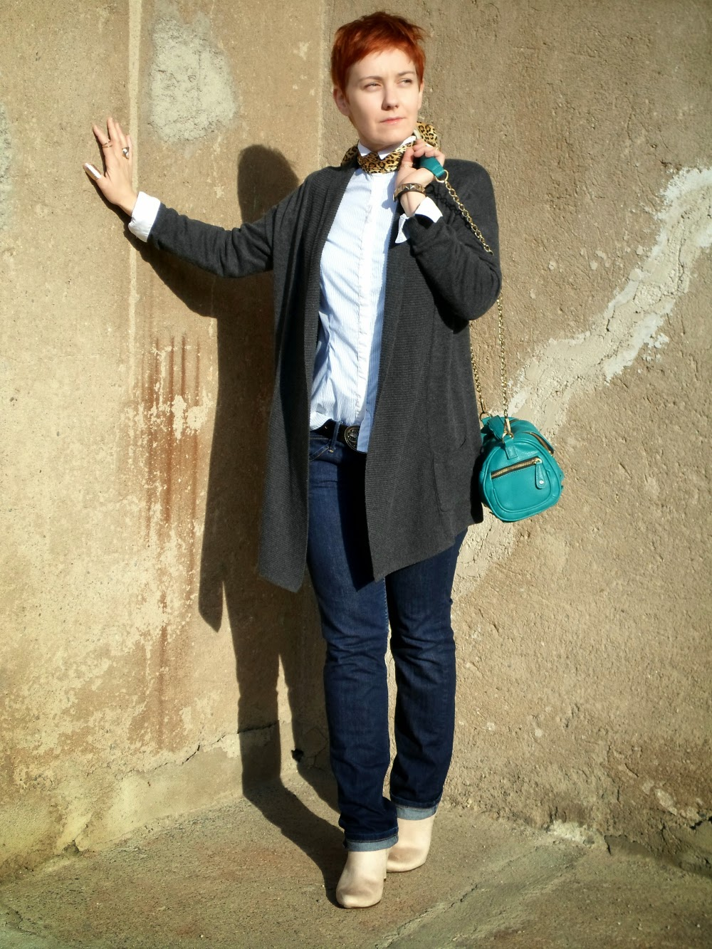 A (striped) button down shirt with a kerchief / small silk foulard pretending to be a reverse tie. A grey cardigan, dark wash denim, ankle booties, an emerald bag | Ain't She Dapper - Funky Jungle, fashion and personal style blog